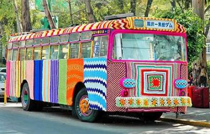 Autobuz crosetat yarn bombing