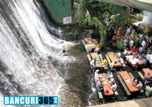 cascada-in-restaurant